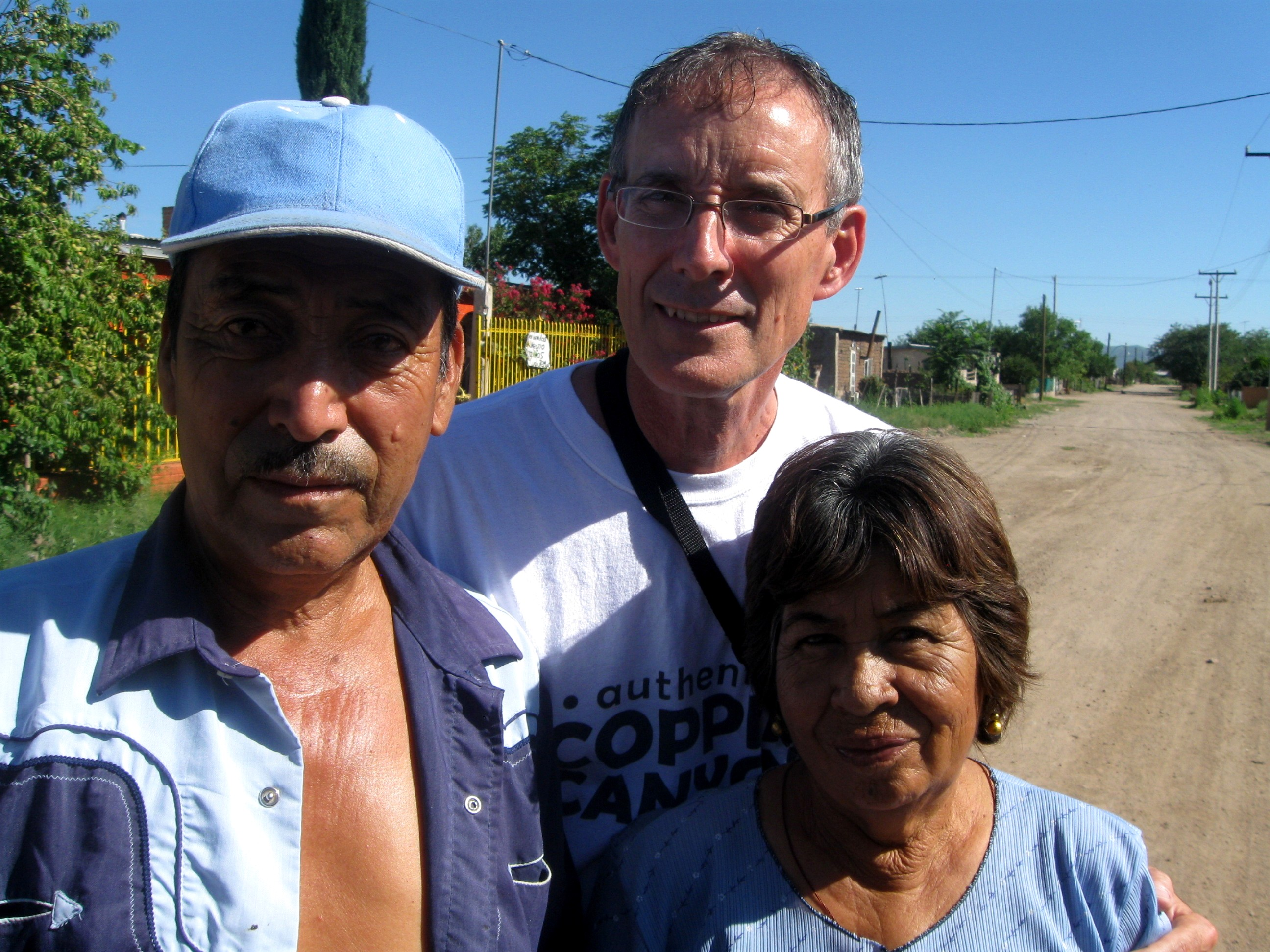 Tina and Eusebio Sandoval with me in Mata Ortiz last week.